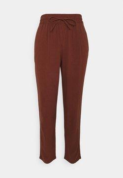 Vero Moda - VMASTIMILO ANKLE PANTS - Trousers - sable