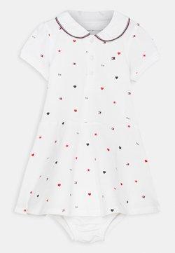 Tommy Hilfiger - BABY FLAG POLO DRESS - Vestido ligero - white