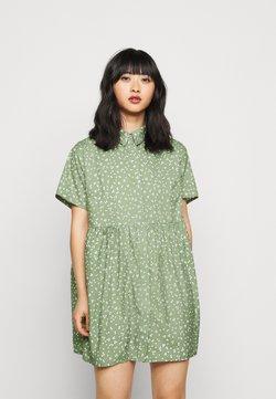 Missguided Petite - SMOCK DRESS FLORAL - Blusenkleid - sage