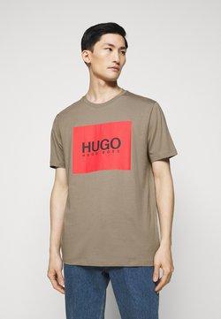 HUGO - DOLIVE - Camiseta estampada - light/pastel brown