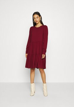 Vero Moda - VMNADS GIRLIE DRESS - Kjole - cabernet