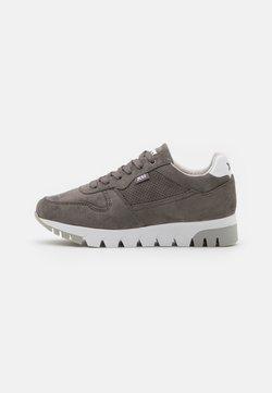 XTI - Sneakers laag - grey