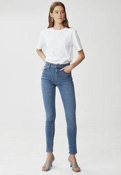 Gestuz - EMILYGZ HW NOOS - Jeans Skinny - l a blue