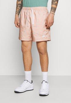 Nike Sportswear - FLOW GRID - Shorts - crimson bliss/white