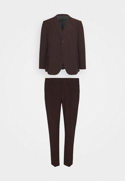 Isaac Dewhirst - THE FASHION SUIT PIECE PLUS SIZE SET - Costume - bordeaux