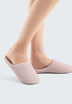 OYSHO - BASIC EMBROIDERED - Chaussons - mauve