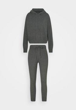 Even&Odd Petite - SET - Strickpullover - dark grey