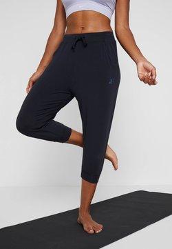 Curare Yogawear - CAPRI PANTS RELAXED - Urheilucaprit - midnight blue