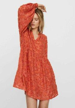 Vero Moda - Cocktailkleid/festliches Kleid - mecca orange