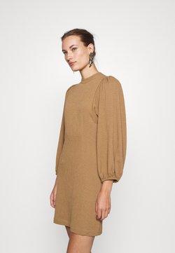 Samsøe Samsøe - HARRIETTA SHORT DRESS - Vestido informal - dijon