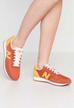 New Balance - UL720 - Baskets basses - red