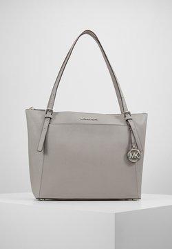 MICHAEL Michael Kors - VOYAGER TOTE - Handtasche - pearl grey