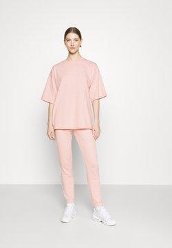 Missguided - OVERSIZED JOGGER SET - T-Shirt basic - baby pink