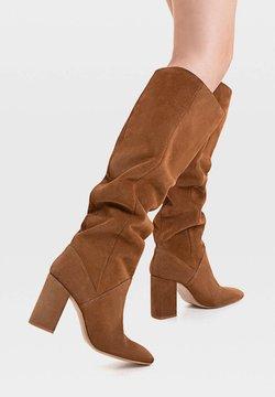 Stradivarius - High Heel Stiefel - brown