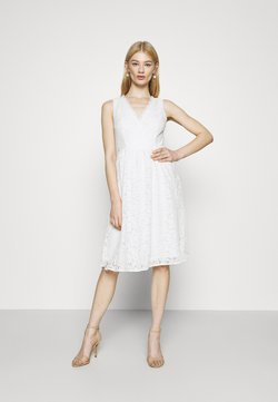 Vila - VIFIORELLA DRESS - Ballkleid - cloud dancer