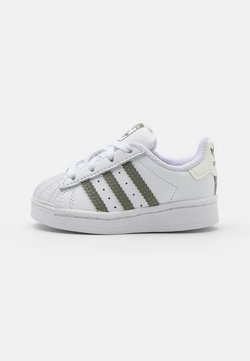 adidas Originals - SUPERSTAR UNISEX - Sneaker low - footwear white/legacy green/offwhite