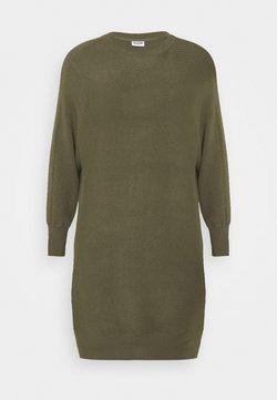 Noisy May Curve - NMSHIP BOATNECK DRESS - Vestido de punto - kalamata