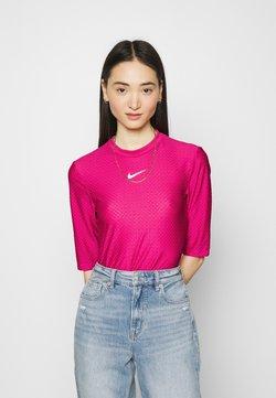 Nike Sportswear - T-shirt con stampa - fireberry/white