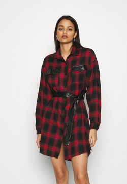 Missguided - BELTED SHIRT DRESS - Blusenkleid - burgundy