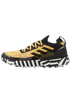 adidas Performance - TERREX TWO ULTRA PARLEY - Trail hardloopschoenen - solar gold/core black/footwear white