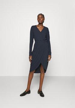 Moss Copenhagen - LYLA DRESS - Sukienka z dżerseju - outer space