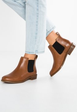 Clarks - TAYLOR SHINE - Ankle Boot - brun
