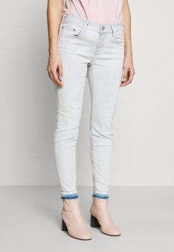CLOSED - BAKER - Jeans slim fit - extrem light