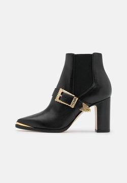 Alberta Ferretti - Ankle Boot - black