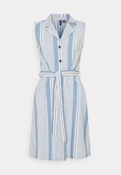 Vero Moda Tall - VMAKELASANDY CHAMBRAY SHORT - Blusenkleid - light blue denim/white