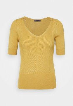 Marks & Spencer London - VEE - T-Shirt basic - yellow
