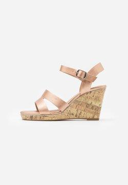 New Look Wide Fit - WIDE FIT POSSUM WEDGE - Korolliset sandaalit - rose gold