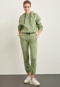 DeFacto - Jogginghose - green