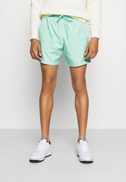 Nike Sportswear - FLOW - Short - bright spruce/washed coral