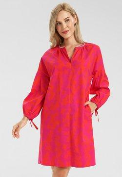 Apart - Freizeitkleid - pink/orangerot