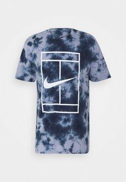 Nike Performance - TEE HERITAGE DYE - T-shirt con stampa - indigo haze/obsidian