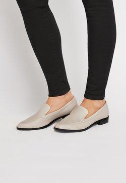 Next - BLACK ALMOND TOE LOAFERS - Slipper - white
