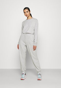 Missguided - CROPPED RAW HEM & SLIM JOGGER SET - Sweatshirt - grey