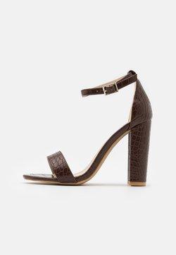 Glamorous Wide Fit - Sandalen met hoge hak - coffee