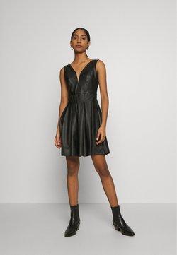 WAL G. - PLEATED SKATER DRESS - Cocktailkleid/festliches Kleid - black