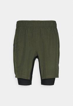 Salomon - TWINSKIN - Pantalones montañeros cortos - olive night