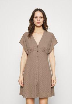 Samsøe Samsøe - VALERIE SHORT DRESS - Vestido camisero - light brown
