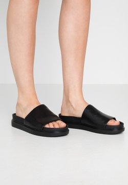 Vagabond - ERIN - Pantolette flach - black