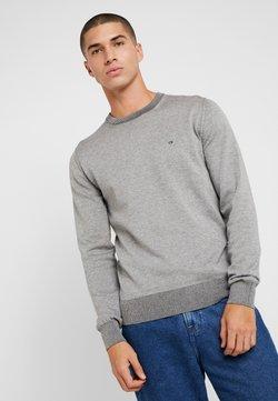 Calvin Klein - C NECK - Jersey de punto - grey