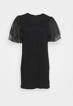 Missguided Plus - PLUS FRILL SLEEVE DRESS - Freizeitkleid - black