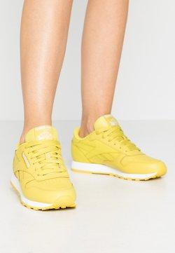 Reebok Classic - CLASSIC - Sneakers - utility yellow/white