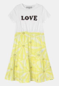 Never Fully Dressed Kids - KIDS SUNSHINE TOWFER DRESS - Jerseykleid - yellow