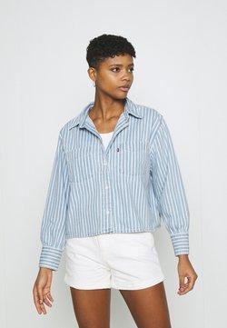 Levi's® - ZOEY PLEAT UTILITY - Camisa - light-blue denim