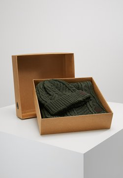 Only & Sons - ONSERIK BOX SCARF BEANIE  - Sjaal - forest night