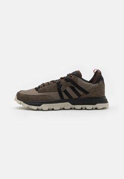 Timberland - TREELINE MOUNTAIN RUNNER - Sneakersy niskie - medium grey/black