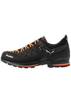 Salewa - MS MTN TRAINER 2 GTX - Hiking shoes - black/carrot